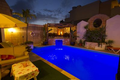 Pool, Jacuzzi Cave, Chill Out Area - at night