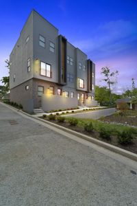 Photo for C1) NEW Downtown Home w/city views 4min from Broadway!