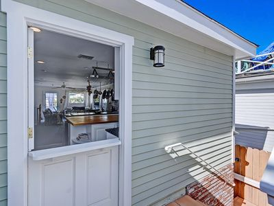 Photo for Lovely Avalon home + walking distance to the beach, restaurants and more. - 220