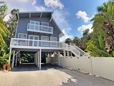 Photo for Coastal Siesta Key Vacation Rental Home W/ Heated Pool and Beach Access