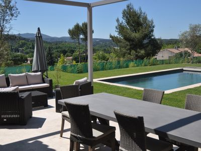 Photo for Villa with pool 10min from Aix en Provence