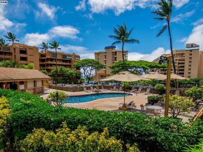 Photo for Spacious & Modern Maui Condo Steps to the Beach!