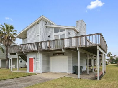 Second Wind is a charming, 3/2.5 beachside home in Pirates Beach with Gulf Views