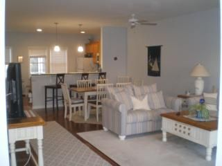 View of our living/dining area. Comfortable seating.