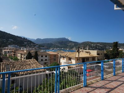 Photo for Cozy apartment with sea views,sunny terraces and walking distance from the beach