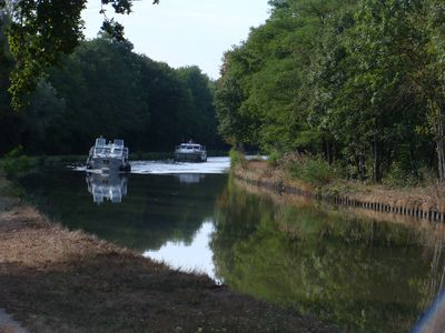 Photo for Gîtes Tissiers along the side canal to the Loire