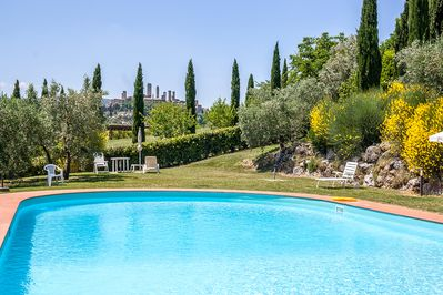 Stunning views from the shared pool towards the San Gimignano towers!