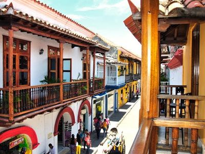Photo for 🇨🇴 Old City 2 bedroom with balconies, AC, great wifi, hot water! 😎