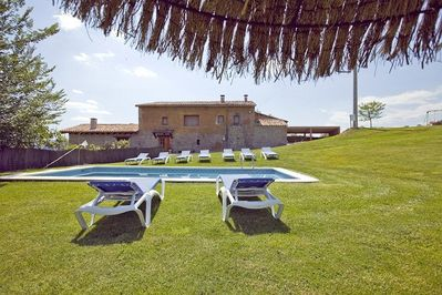 The pool (32 m2) is the perfect place to relax under the warm sun