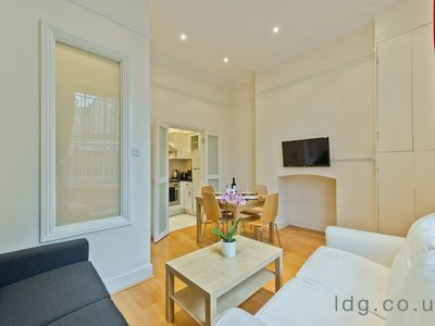 Photo for FITZROVIA FIRST FLOOR APARTMENT