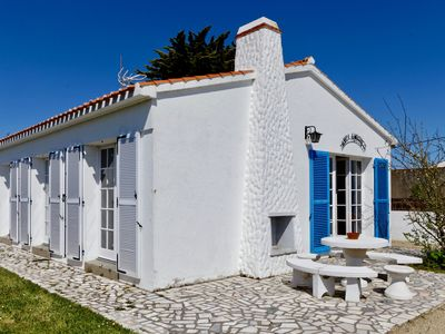 Photo for Noirmoutrine house nearby the Lutins beach