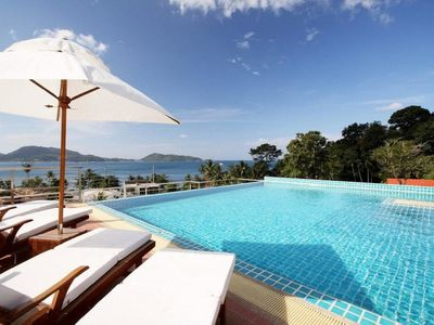 Photo for Baycliff - seaview 2 bedroom apt with jacuzzi, pool and kitchen in Patong
