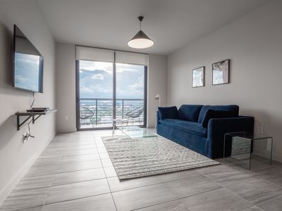 Photo for 4010-698 · 1 BR on 40th Floor w/ View of Ocean and Skyline