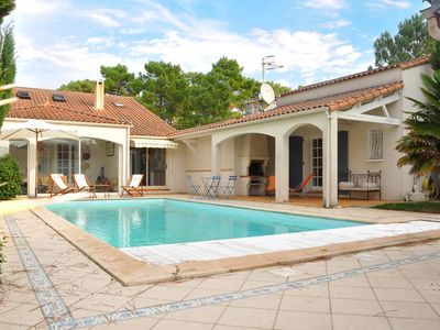 Photo for Vacation home Les Charodns Bleus  in La Tranche - sur - Mer, Vendee - 6 persons, 3 bedrooms