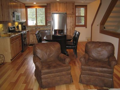 Gold Bend Family Room and Updated Kitchen