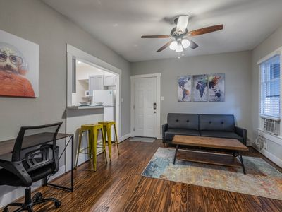 Photo for DELUXE 1/1 unit with King Bed and Sofa Sleeper Located Near Downtown/Med Center