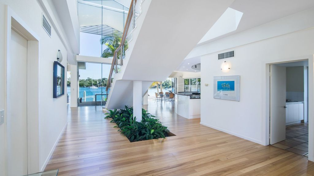 38 Noosa Parade - Absolute River Front