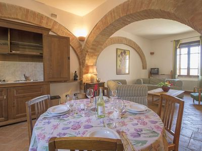 Photo for Nice apartment with pool, hot tub, internet, TV, pets allowed and parking, close to Perugia