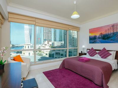 Photo for Stunning 2 Bed with Skyline View
