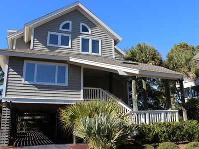 This wonderful home has marsh views & is very close to Seabrook's North Beach!