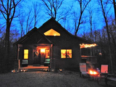 Five Miles From Downtown Helen.  Private Modern Cabin, Close To All Attractions