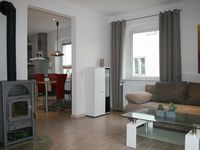 Very enjoyable stay. Clean, comfortable apartment and friendly, helpful hosts.