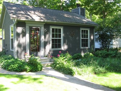 Baby Grand, Pet Friendly Cottage in Downtown Saugatuck