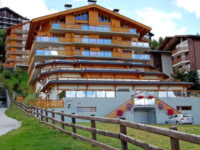 Photo for Cosy apartment for 8 guests with hot tub, WIFI, TV, balcony and parking