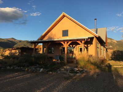 Strawbale exterior in the fall