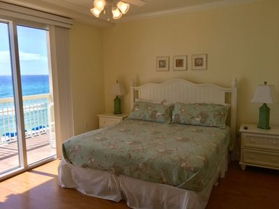 Master bedroom with king bed and ocean view!