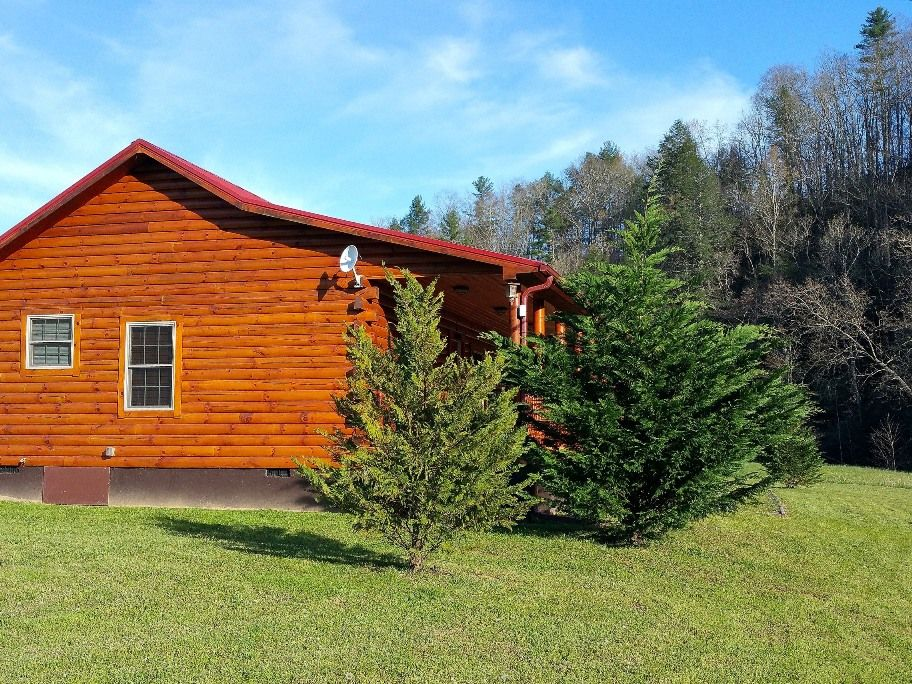 Luxury riverfront cabin 2 5 hrs from charlotte wi fi for Fishing cabin rentals wisconsin