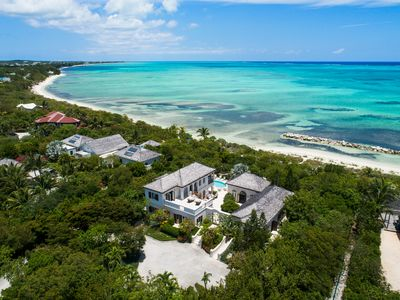 Modern Luxury/Beachfront Villa/Snorkel & Kayak Right off your Beach