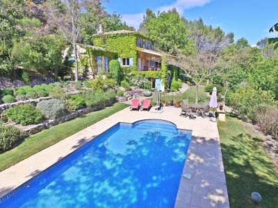 Photo for Provençal cozy villa with private pool and 5000 m2 garden, 1 km from Flayosc