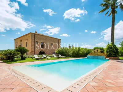 Photo for Casale degli Erei – Spacious Countryside Villa with Pool and Spa