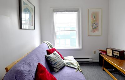 Photo for Bright and Cheerful Downtown Apartment