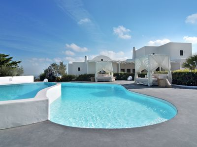 Photo for Villa Irene is a stunning luxury villa located in Kontochori/Fira