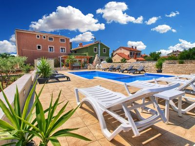 Photo for Holiday apartment Valbandon for 6 - 8 persons with 3 bedrooms - Holiday apartment