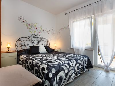 Photo for Beautiful studio apartment for 2-3Personen, only 350m from the sea and center!