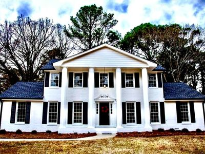 Photo for Charming Southern Home next 2 Stone Mountain Park