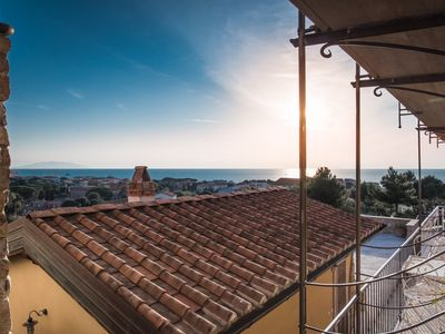 Photo for House with sea-view terrace, 5 minutes walk from San Vincenzo beach