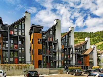 Photo for 1 Bedroom for 4 w Parking in the CORE of Downtown Aspen