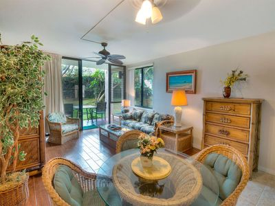 Photo for Island Style Suite w/Kitchen Upgrades, WiFi, Lanai w/Lawn Access–Kamaole Sands 4113