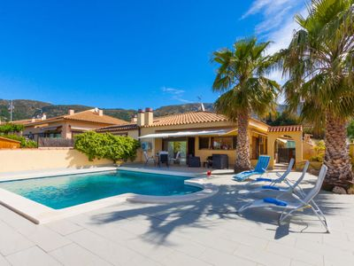 Photo for 3 bedroom Villa, sleeps 6 in Palau-saverdera with Pool and Air Con