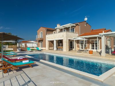 Photo for Custom designed villa with covered pool near Pula