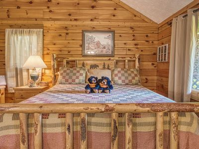 Photo for Pigeon Forge, Pool Access,FREE Area Attraction Tickets.