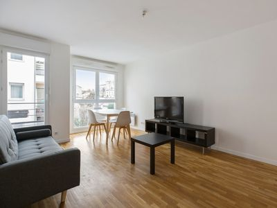 Photo for Spacious and cozy, close to Paris and Montmartre - Welkeys
