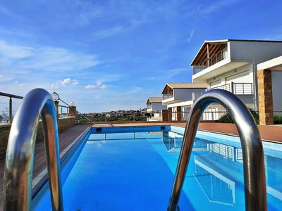 Photo for Deluxe Villa with private pool & sea view