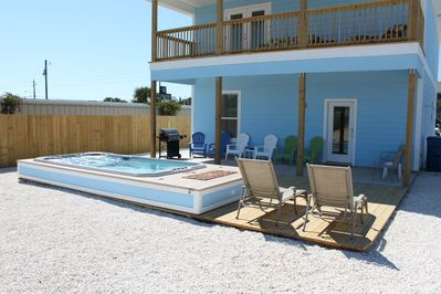 POOL AND DECK AREA FOR LAYING OUT IN THE SUN