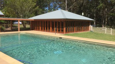 Large (non heated) pool