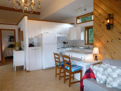 Photo for Lovely cottage-Mountain View-Steps from outdoor activities-20 minutes from City